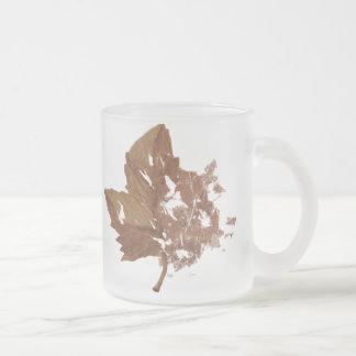 秋の葉のコーヒー・マグ フロストグラスマグカップ