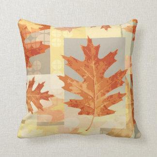秋の葉パターン季節的で装飾的な枕 クッション