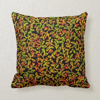 秋の赤い果実のつる植物の枕 クッション