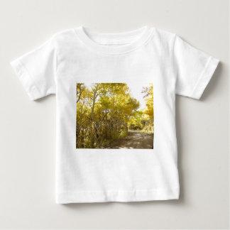 秋の道 ベビーTシャツ