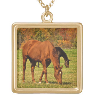 秋の馬 ゴールドプレートネックレス
