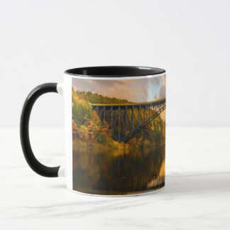 秋のBridgeフランスのなの王 マグカップ