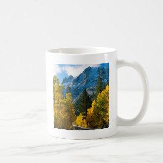 秋のjune湖カリフォルニア コーヒーマグカップ