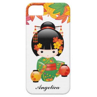 秋のKokeshiの人形-緑の着物の芸者女の子 iPhone SE/5/5s ケース