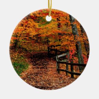 秋のMccormickの入り江の州立公園インディアナ セラミックオーナメント
