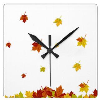 秋 スクエア壁時計