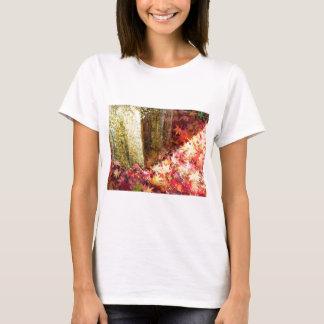 秋。紅葉。黄金色。 シャツ Tシャツ