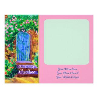 秘密のバラ園への美しく青い木のドア レターヘッド