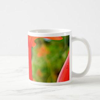 移動式遺贈財産の赤いてんとう虫の花 コーヒーマグカップ