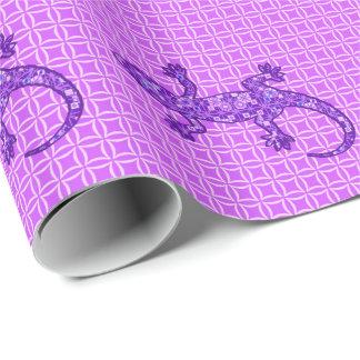 種族のろうけつ染めのヤモリの-すみれ色および紫色の紫色 ラッピングペーパー