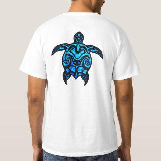 種族のカメのハイビスカス Tシャツ