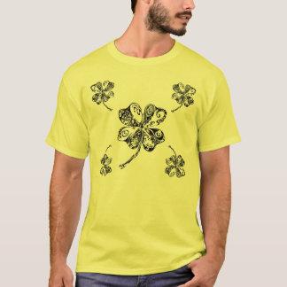 種族のシャムロック Tシャツ