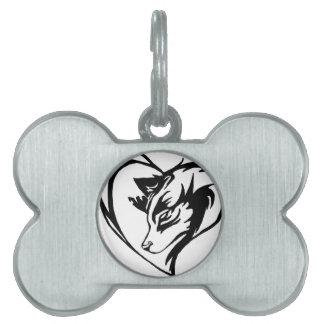 種族のハートのデザインの犬かオオカミ ペットネームタグ