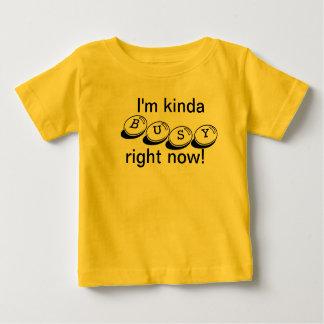 種類の忙しい ベビーTシャツ