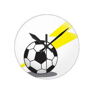 稲妻が付いているサッカーボール ラウンド壁時計