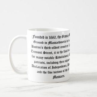 穀倉の埋める地面のマグ コーヒーマグカップ