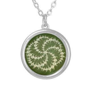 穀物の円 シルバープレートネックレス