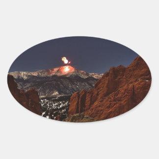 穂先の上の新年の花火は最高になります 楕円形シール