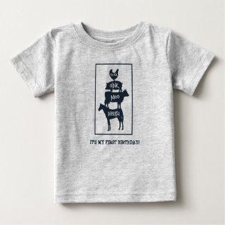 積み重ねられた家畜の名前入りな誕生日 ベビーTシャツ