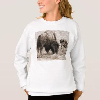 積極的なオオカミの狩りのバイソン スウェットシャツ