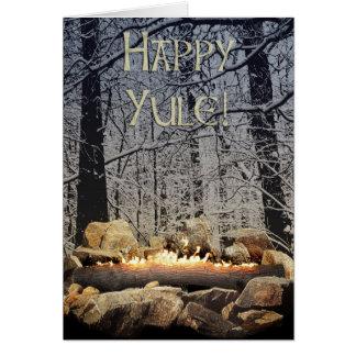 穏やかで非常に熱いユール(キリスト降誕祭)のログインSnowyの森林 カード