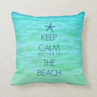 穏やかなビーチの枕を保って下さい クッション