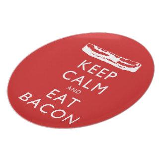 穏やか保ち、ベーコンを食べて下さい プレート