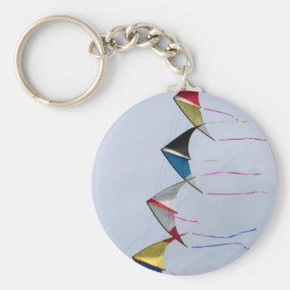 空で飛ぶ多彩な凧 キーホルダー