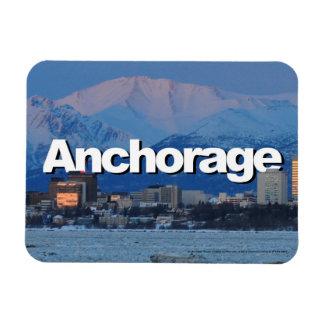 空のアンカレッジとのアンカレッジアラスカのスカイライン マグネット