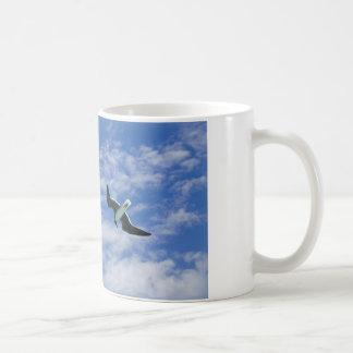 空のカモメ コーヒーマグカップ
