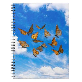 空のマダラチョウ ノートブック