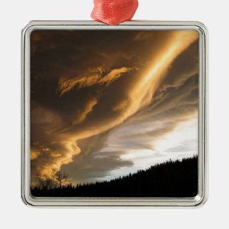 空の暗い道の雲 メタルオーナメント