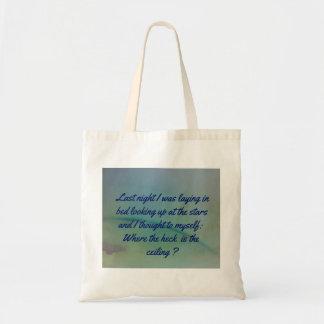 空の背景の自己の引用文へユーモアのあるな考えること トートバッグ