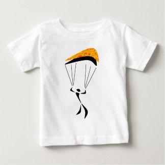 空の飛び込みいくつか ベビーTシャツ