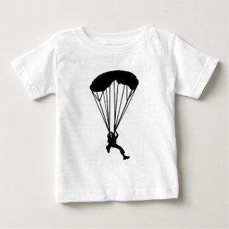空の飛び込み夜 ベビーTシャツ