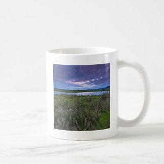 空のDarkiningの地平線 コーヒーマグカップ