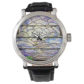 空はTiffanyのステンドグラスの花の腕時計を曇らせます 腕時計