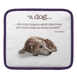 空想にふける犬のイラストレーション iPadスリーブ