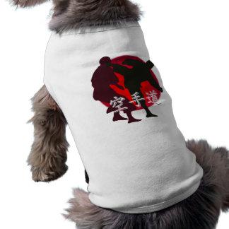 空手の戦い、赤い円の背景のシルエット 犬用袖なしタンクトップ