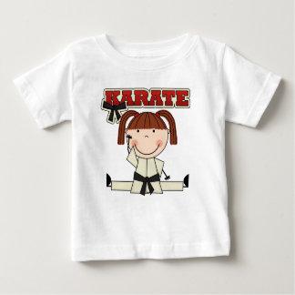 空手-ブルネットの女の子のTシャツおよびギフト ベビーTシャツ