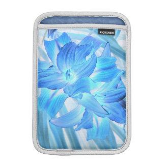 空気のようで青いユリ、冬の花柄のファンタジー iPad MINIスリーブ