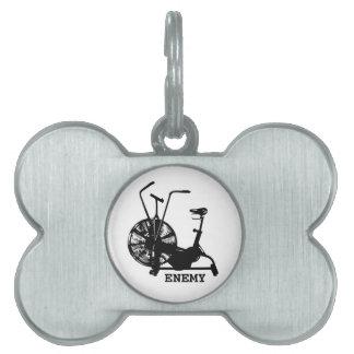 空気バイクの敵-黒いシルエット ペットネームタグ