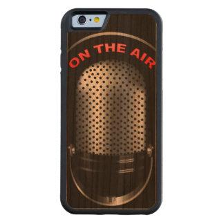 空気印のレトロのマイクロフォン CarvedチェリーiPhone 6バンパーケース
