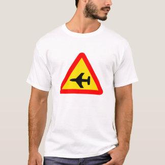 空港2 Tシャツ