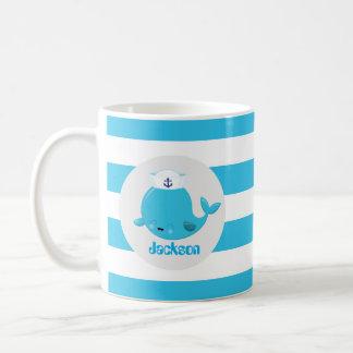 空色のビーチのクジラは一流のモノグラムのマグを加えます コーヒーマグカップ