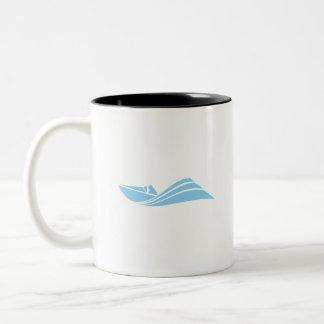 空色の速度のボート ツートーンマグカップ
