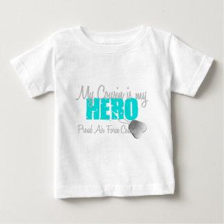 空軍いとこの英雄 ベビーTシャツ