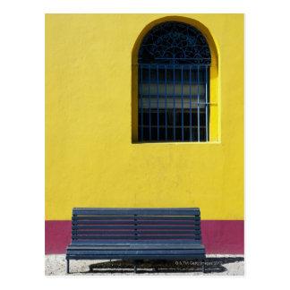窓およびベンチ ポストカード