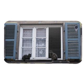 窓の2匹の黒猫 Case-Mate iPod TOUCH ケース