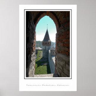 窓を通した城の壁、 ポスター